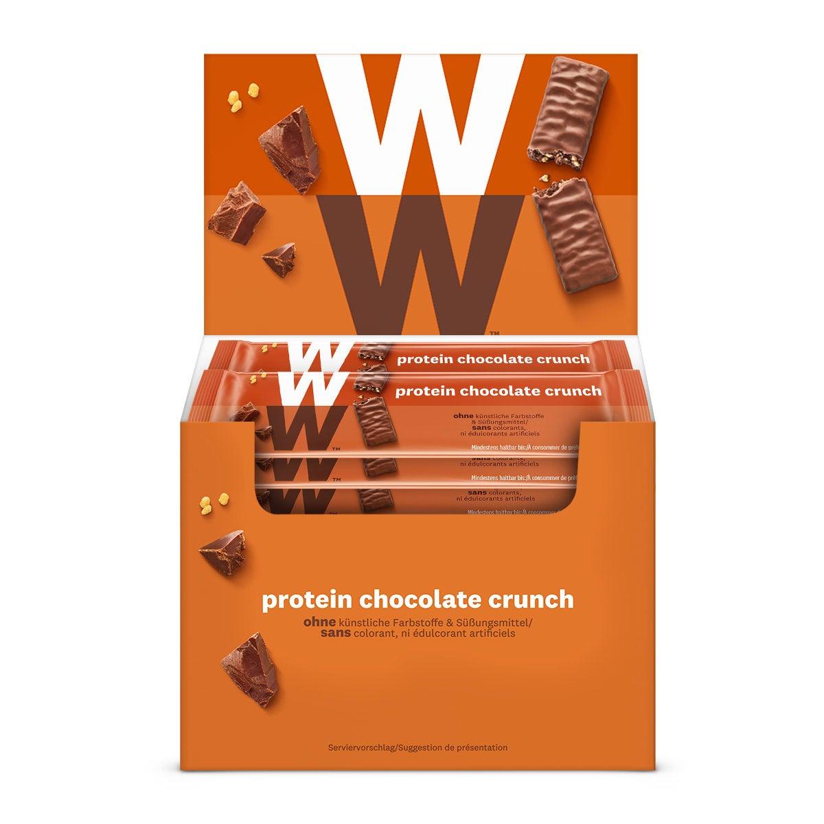 WW Proteinriegel mit Schokolade 24er Pack, 24 Riegel in brauner Produktverpackung mit weißer Aufschrift in Pappaufsteller