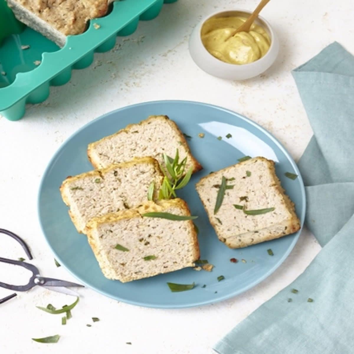 WW Moule carré en silicone vert avec des tranches de pain sur une assiette 4