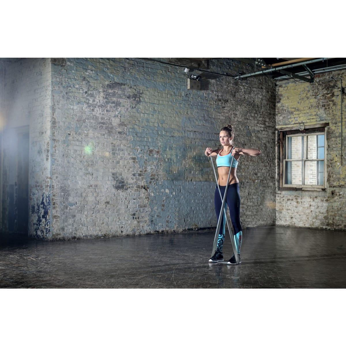 Reebok Bandes de tonification (set de 2), Femme en plein sport 1